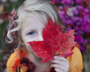 girl-with-leaf